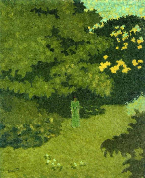 Женщина в зеленом платье в саду